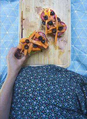 Tartines vegan & gourmandes Houmous / Avocat pour le déjeuner