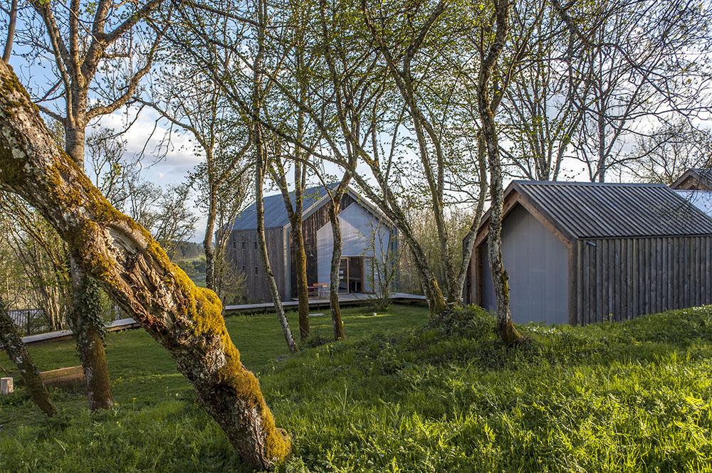 Cabanes Bois Basalte